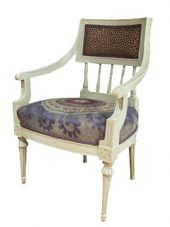 bg-image-chair-violet-victoria