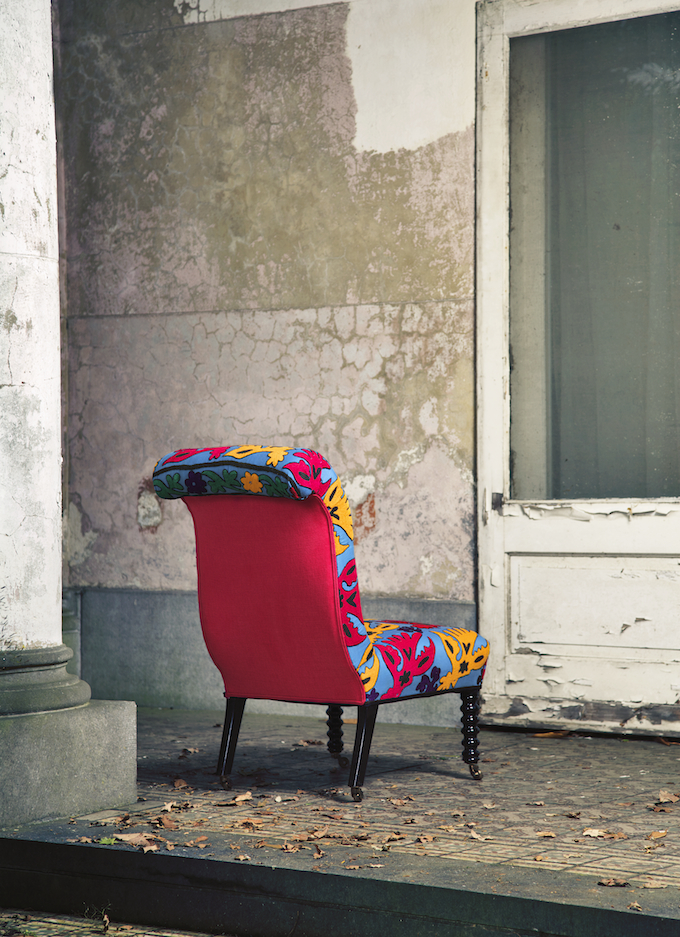 chair-rainbow-lory-achter